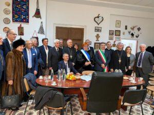 l'abate di Montecassino, Dom Donato Origliari è ad Arad in Romania dove partecipa alla consegna della laurea Honoris Causa